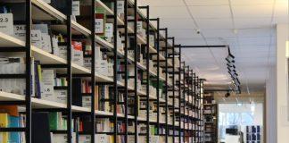 מדפים למחסן – איך לחסוך במקום