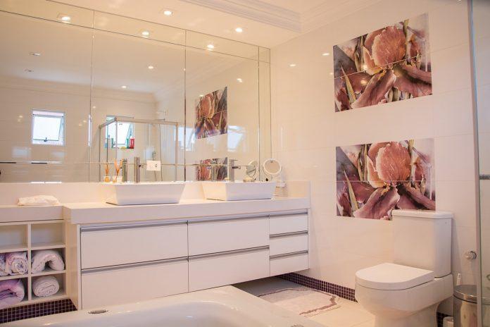 עיצוב מחדש של חדרי אמבטיה ביחידת הורים