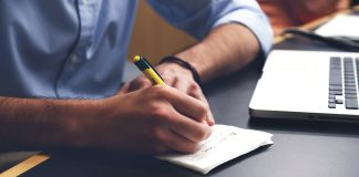 ארבעה טיפים לשיפוץ נכון של חדר עבודה בבית