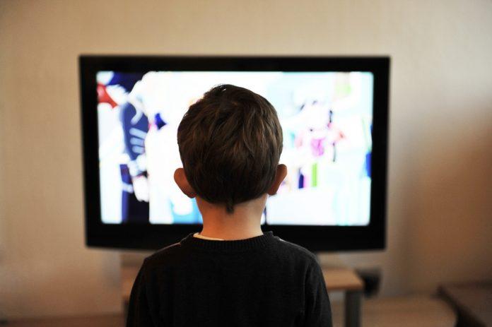 מחשב או טלוויזיה? איזה מסך הפך להיות יותר פופולרי?