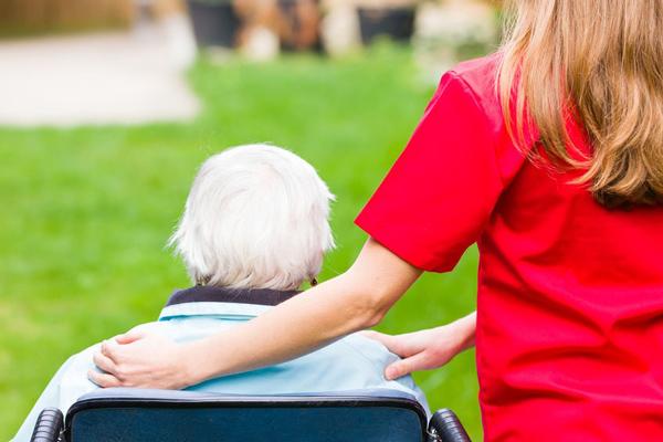 טיפים חשובים לבחירת בית אבות לתשושי נפש ליקירכם